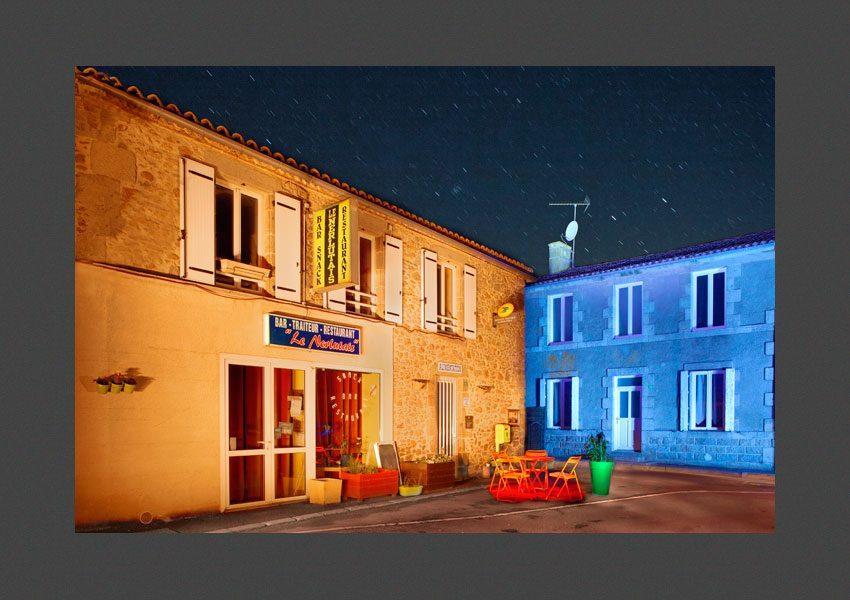 Bressuire, la place de l'église de Noirlieu.